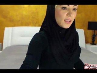 Hot arabian girl masturbates her black pussy
